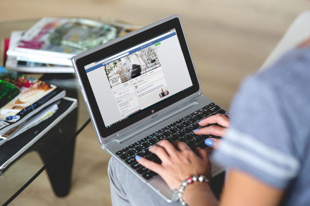 Mẹo giảm chi phí quảng cáo Facebook Ads: Thêm các nội dung hấp dẫn vào quảng cáo